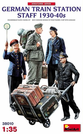 MiniArt German Train Station Staff 1930-40s 1:35