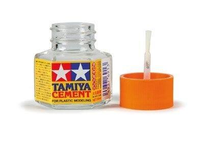 Plastic Lijm: Tamiya Cement