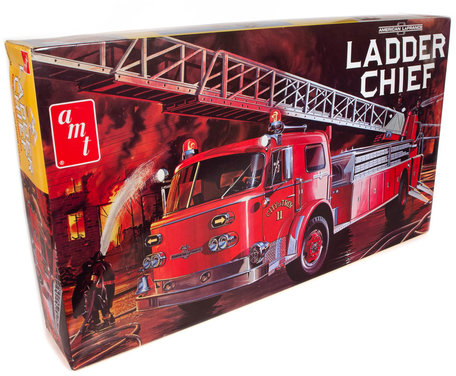 AMT American Lafrance Ladder Chief Fire Truck 1:25