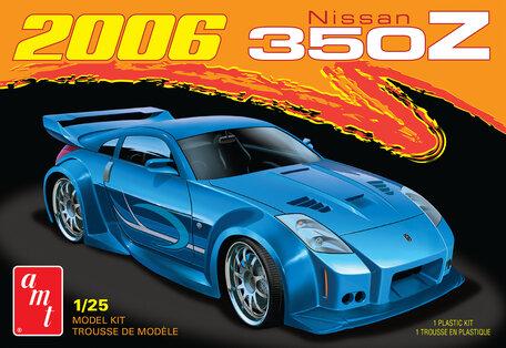 AMT Nissan 350Z 2006 1:25