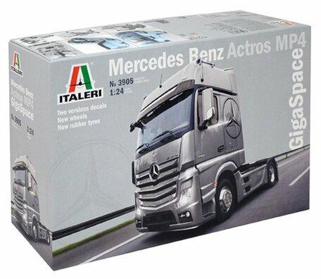 Italeri Mercedez Benz Actros MP4 GigaSpace 1:24