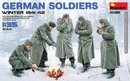 MiniArt German Soldiers Winter 1941-42 1:35