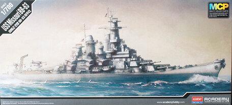 Academy USS Missouri BB-63 1:700