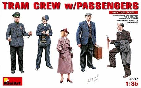MiniArt Tram Crew with Passengers 1:35