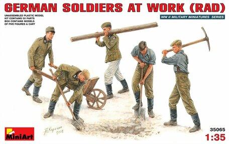 MiniArt German Soldiers at Work (RAD) 1:35