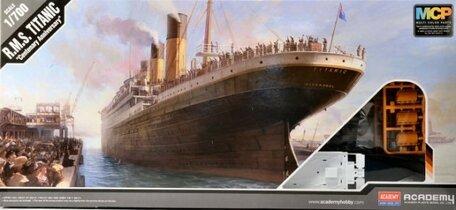 Academy R.M.S. Titanic 1:700
