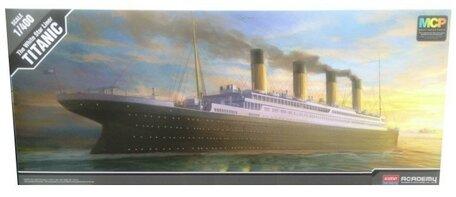 Academy R.M.S. Titanic 1:400
